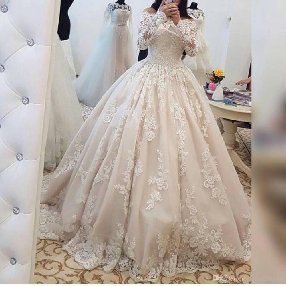 New Arrival Ball Gown Wedding Dresses 2019 Boat Neck Long Sleeve Vinatge Lace Bridal Gowns