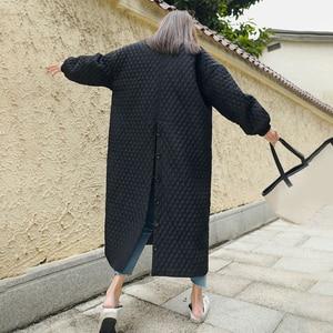 Image 5 - LANMREM חדש רחוב דק סגנון שחור Oversize דש חזרה Vent כפתור 2020 נקבה של ארוך כותנה מעיל Jaqueta Feminina WTH1201