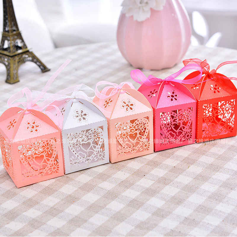2018 Newest Hot High Quality 50PCS Love Heart Laser Cut Candy Box Gift Boxes Ribbon Wedding Party Favor