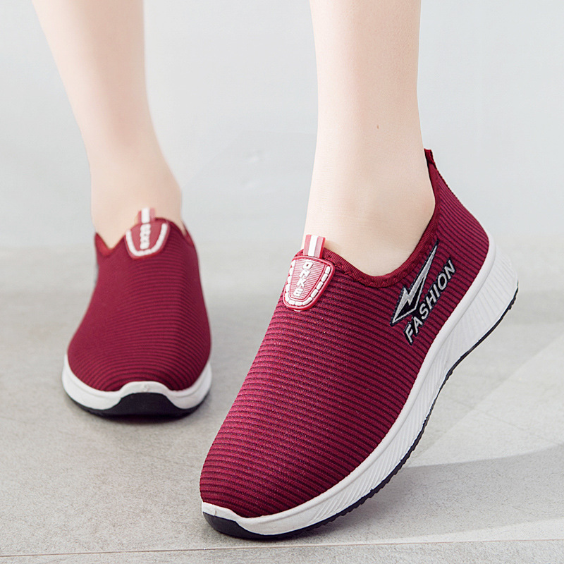Spring Summer Sneakers For Women Fashion Breathable Casual Shoes Woman Cheap Slip-on Mother's Flat Shoes Outdoor Sneakers