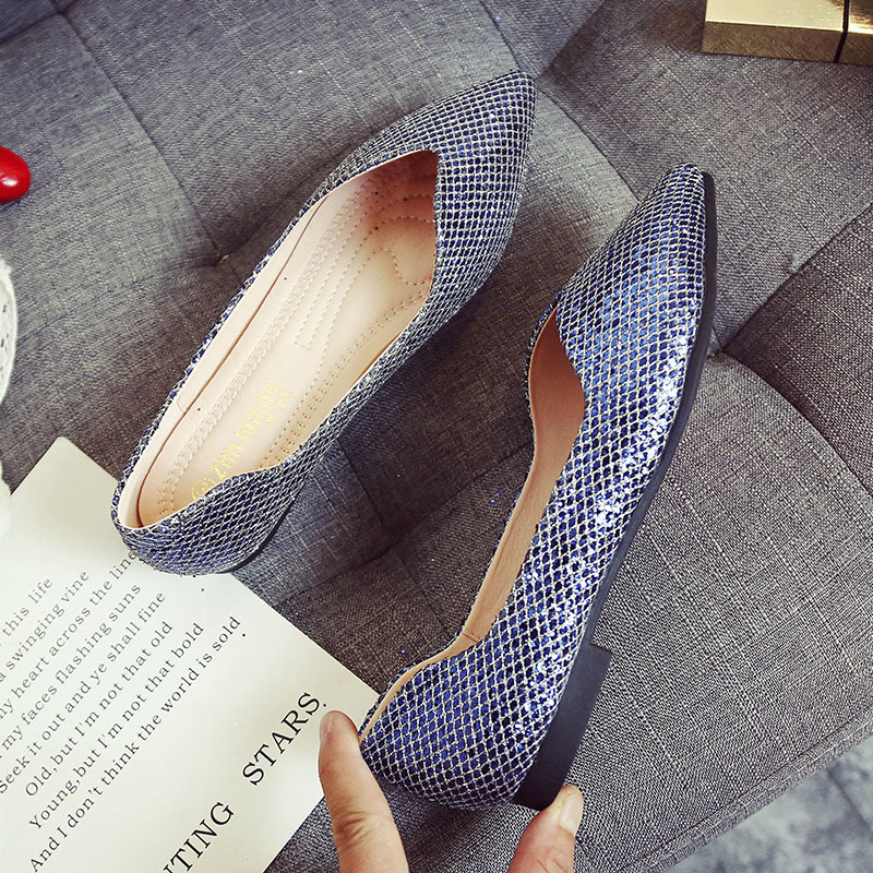 Women Shoes Large Sizes Ladies Sequins Slip On Pointed Toe Flats Summer 2018 Silver Loafers Lazy Boat Shoe Fashion Footwear new