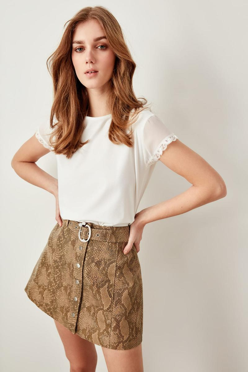 Trendyol Raw White Ruched Knitted Blouse TCLSS19VG0077