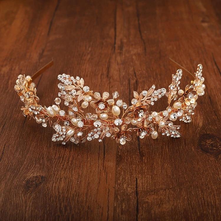 Gold Floral hair comb Golden Boho Wedding Hair Accessory Gold Leaf haircomb Bridal Hair Rustic Wedding headpiece Gold Bridal Hair Jewelry