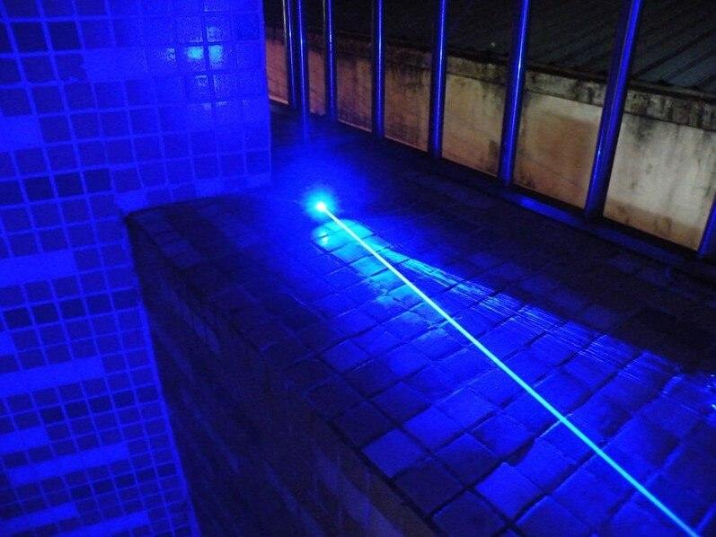 Militar mais Poderosa 2000 m 200000 w 450nm Azul Ponteiros Laser Lanterna Jogo Queimadura Vela Cigarro Aceso LAZER Ímpios + caixa de presente