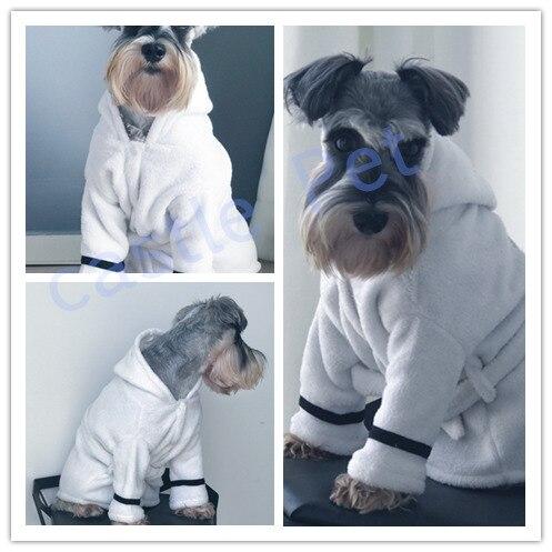 0fa8201d08372 Халат для собак Pet Пижамный костюм Ванна Полотенца коралловый кашемир  утолщенной полотенце для кошек и собак с капюшоном ночная рубашка халат для  собак ...