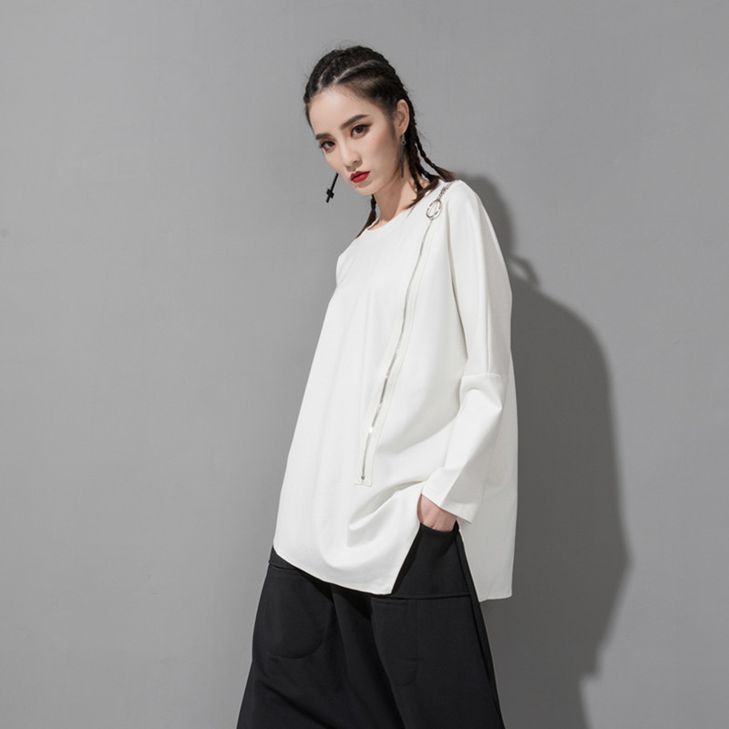 [EAM] 2020 New Spring Autumn Round Neck Long Sleeve Black Oblique Zipper Irregular Hem Big Size T-shirt Women Fashion Tide JQ706 2