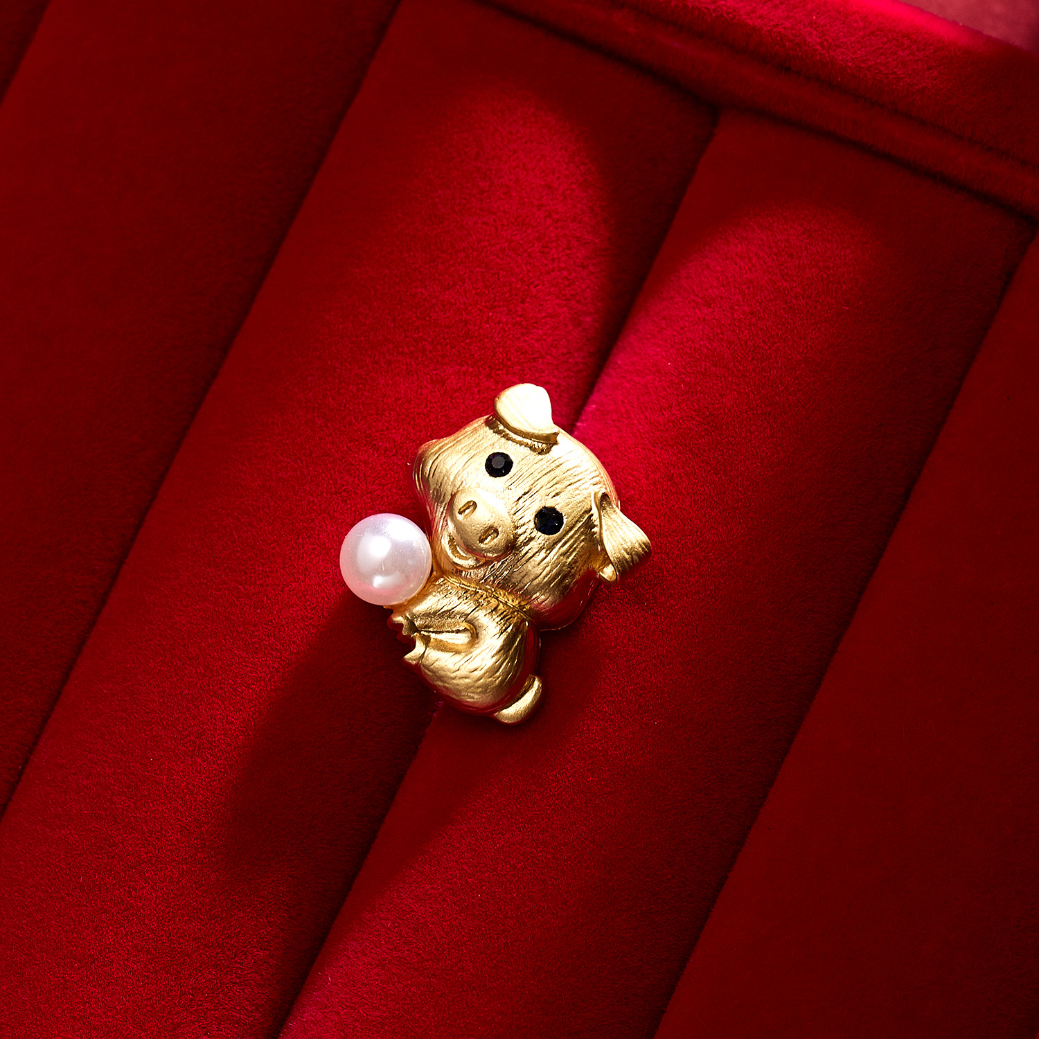 Brand Gold Color Plated Simulated Pearl Grape Brooch Pins For Women Or Wedding Decorating Zodiac Brooch Symbolic Animals