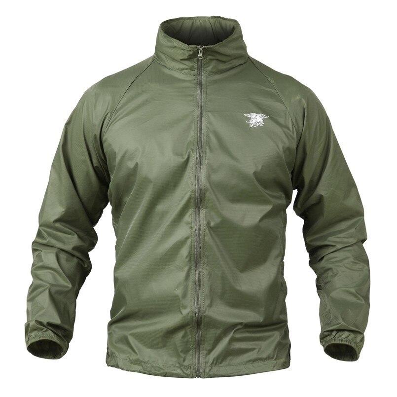 2019 Mann Militärische Taktische Leichte Camouflage Jacken Wasserdicht Quick Dry Dünne Kapuze Regenmantel Rip-stop Armee Haut Jacken GläNzende OberfläChe Jacken
