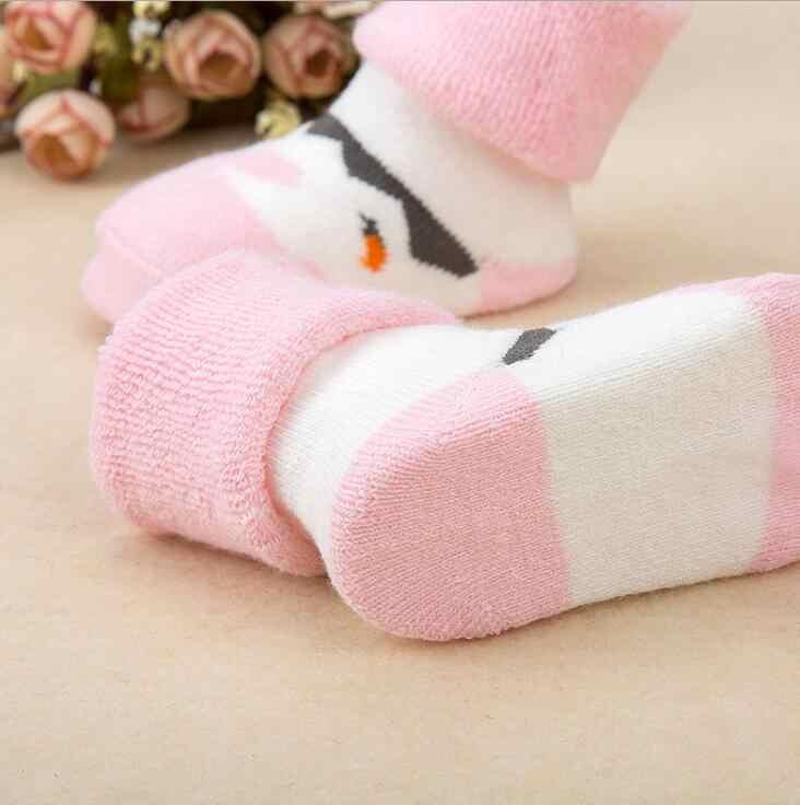 MAYA STEPAN 1 Pair Newborn Cotone di Inverno di Autunno A Strisce di Spugna Pantofole Calde Star Dot Bambini Del Bambino Dei Ragazzi Delle Ragazze Dei Bambini calzini e Calzettoni