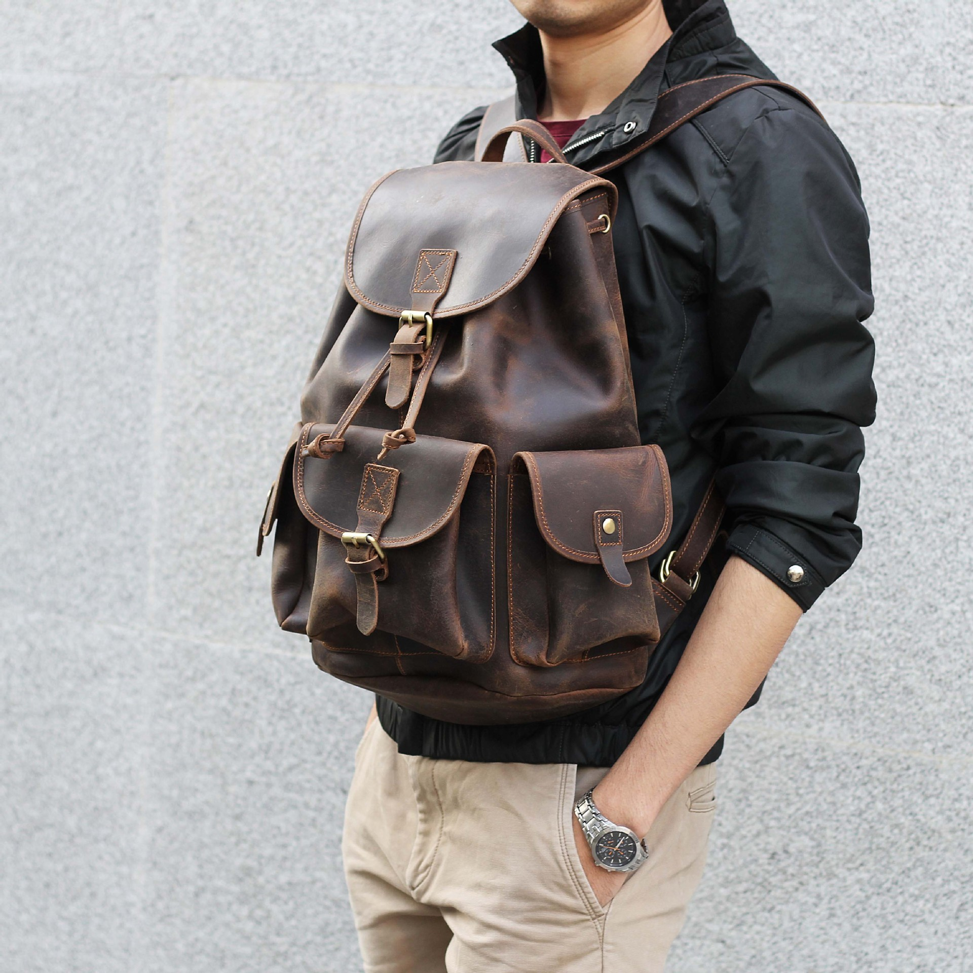 Crazy horse skin men bag backpack leather head cow layer skin men backpack Europe and the United States style backpack in Backpacks from Luggage Bags