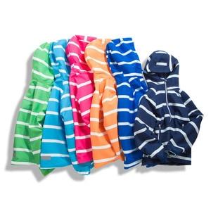 Image 3 - Çocuk su geçirmez ceketler dış giyim spor ceket rüzgar geçirmez Polar Polar sıcak tutan kaban sonbahar çocuk ceket çocuklar kapşonlu rüzgarlık