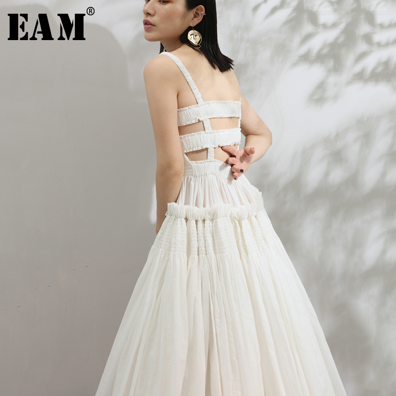 [EAM] 2020 New Summer Strapless Back Hollow Out Square Pleated Slim Big Hem White Temperament Dress Women Fashion JF548