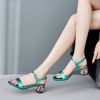Carole Levy 2019 Summer New Style With Rhinestone Sandals Simple Sandals Buckle Strap Square Heel Sandals фото