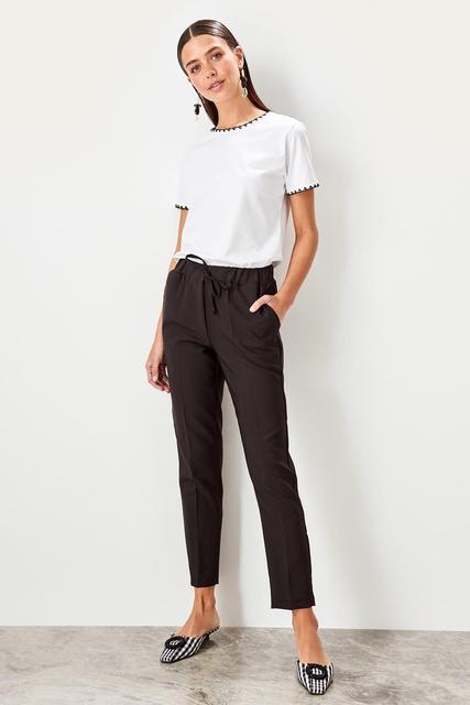 Pantalon lacé noir Trendyol TWOSS19ST0212