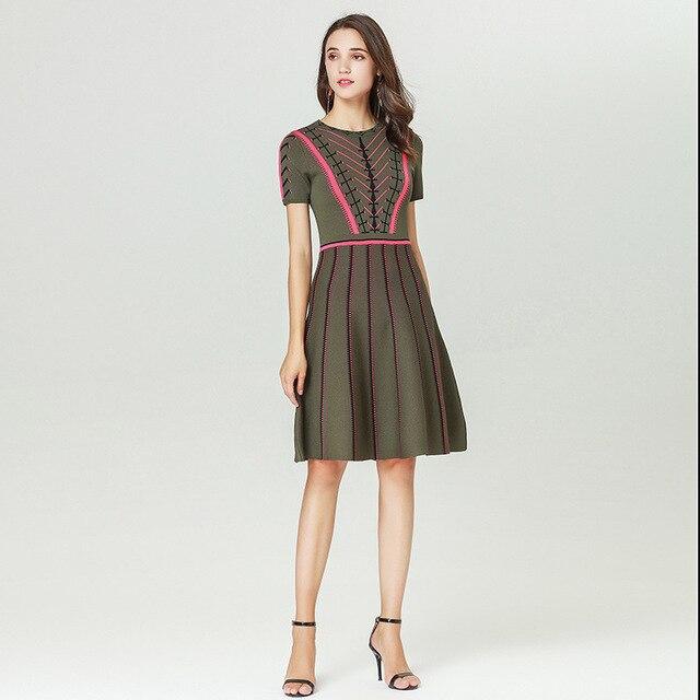 Ruway Mùa Xuân Năm 2019 Mới Micosoni Thương Hiệu Văn Phòng Phụ Nữ Ăn Mặc A-Line Slim của Phụ Nữ quần áo Sọc Thường Xuyên O-Cổ Thanh Lịch Dệt Kim Ăn Mặc