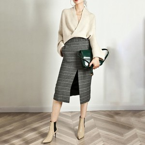 Image 4 - TWOTWINSTYLE Élégant Tricot Pull Femme À Manches Longues V Cou Hauts Pullover Femelle Décontracté Mode Tricots 2020 automne Marée
