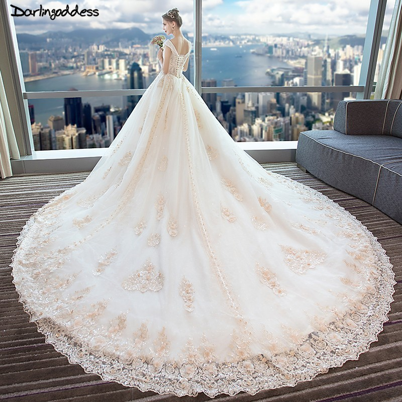 Champagne Lace Wedding Gown: Vintage Ball Gown Wedding Dresses V Neck Cap Sleeve