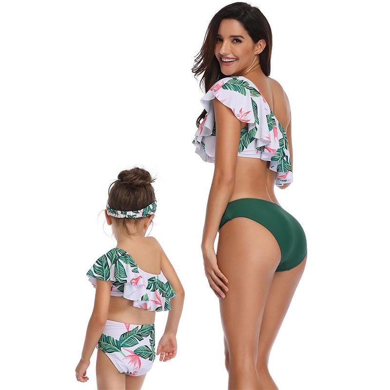 Mother Beachwear Family Matching Bikini Set Hot Spring Bathing Swimsuit Mom Daughter Clothes Floral Printed Daughter Swimwear