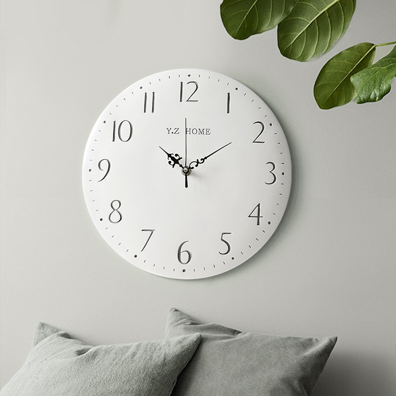 Résine Vintage ronde horloge murale moderne brève horloge Quartz silencieux pour chambre salon cuisine rétro montres pour décoration murale