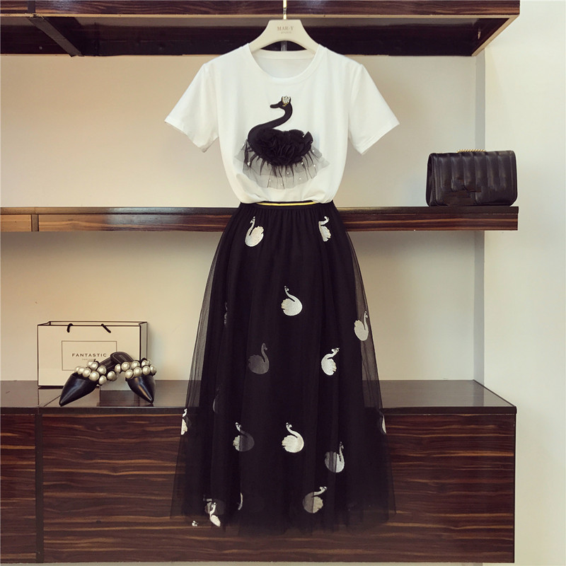 2019 Summer Women Set Swan Embroidery Cotton Beading T-shirt +  Mesh Pleated Tulle Skirt Suit Two-piece Sets Female Plus Size