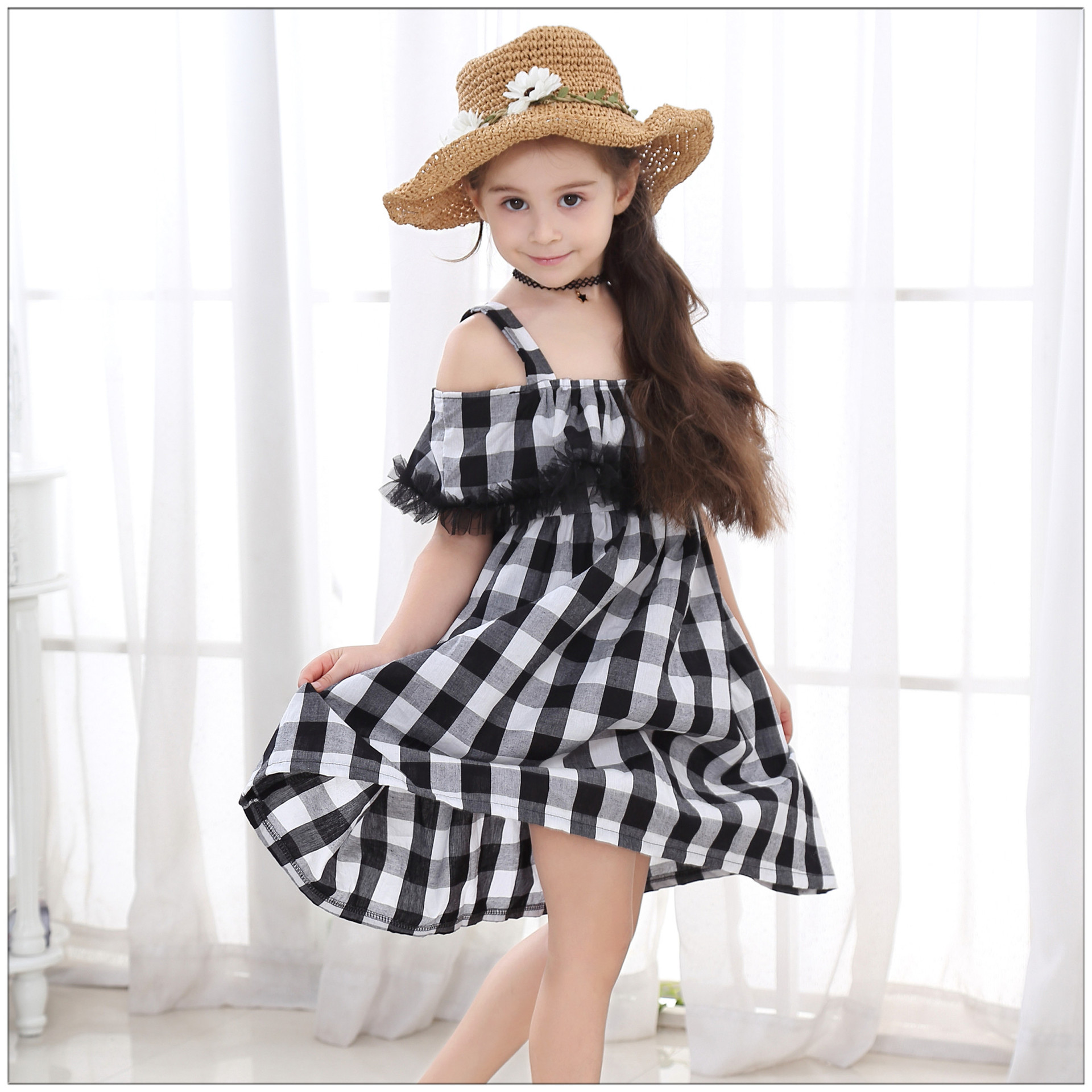 Girls dress 2019 summer new cotton black and white plaid strap Dress off the shoulder children's clothing