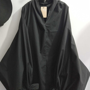Image 5 - [EAM] 2020 אביב קיץ אישה אופנתי חדש שחור צבע קפלים ארוך פאף שרוול V צוואר ארוך Loose עטוף גודל גדול שמלת LG029