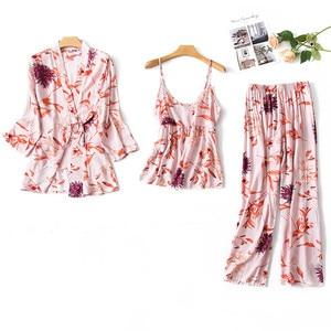 Image 2 - 2019 kadın Pijama setleri 3 adet ince spagetti kayışı pamuk Pijama çiçek baskı gevşek Pijama ev giyim Pijama