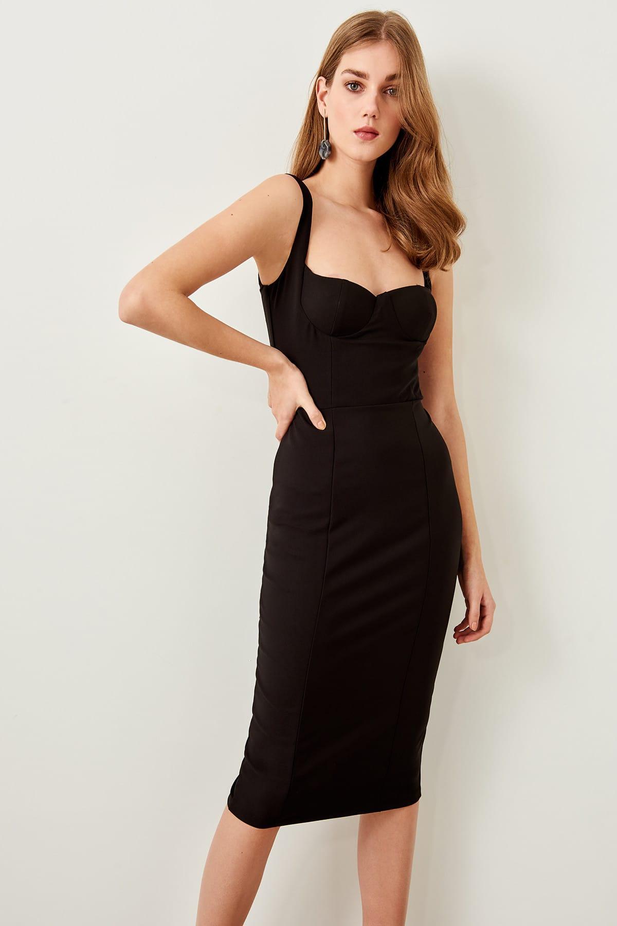 TRENDYOLMİLLA Black Collar Low-Cut Dress TPRAW19FZ0242()