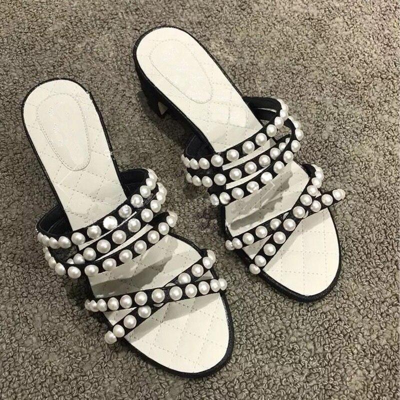 Fashion 2019 Designer Pearls Beading Women Slippers Sweet Summer Sandals Women Chunky Mid Heel Outside Slides Sandalias Mujer