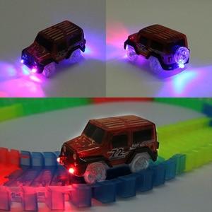 Image 5 - Magische Track Autos LED Licht Elektronik Auto Tracks Spielzeug Autos Teile Auto Schiene Rennstrecke kinder Spielzeug Für Jungen geburtstag Geschenke