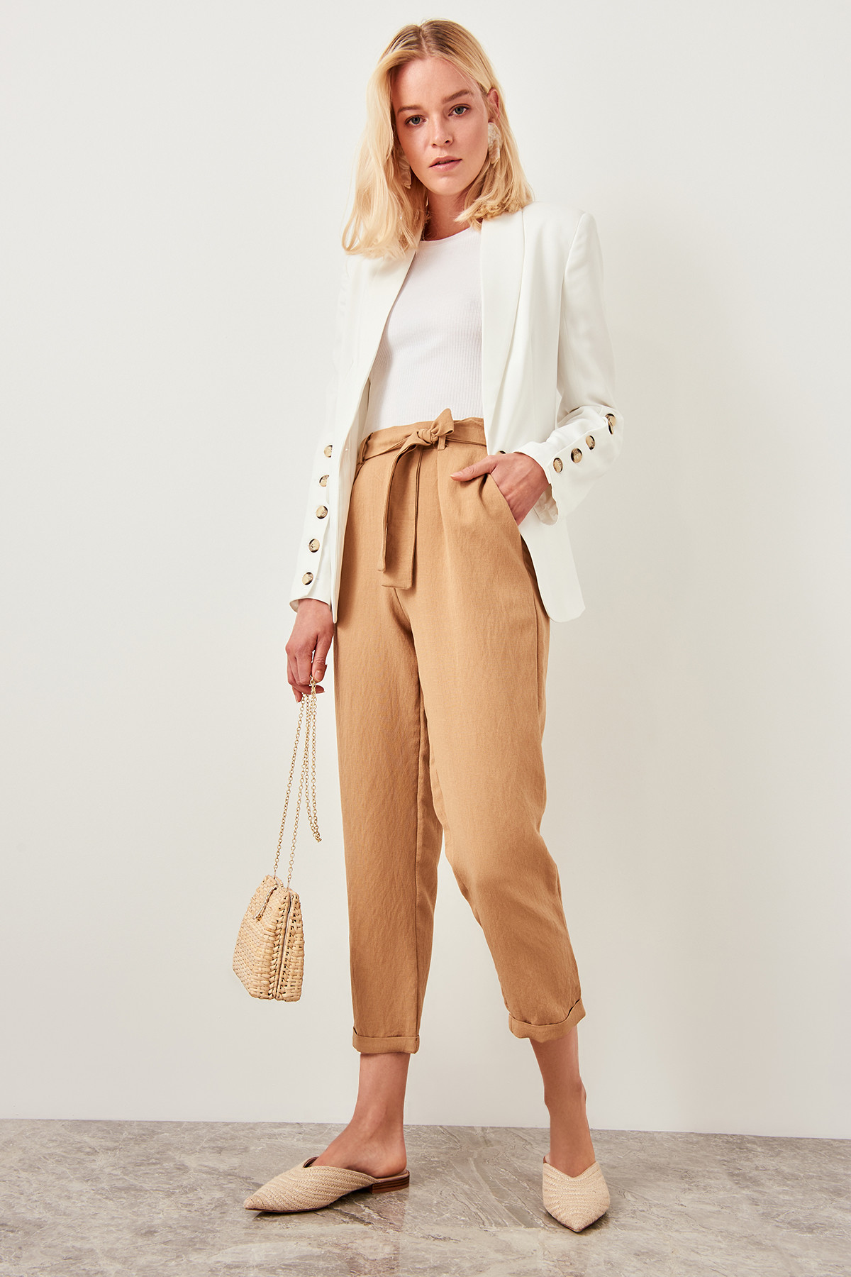 Trendyol Detailed Beige Trousers Belt TWOSS19ST0069