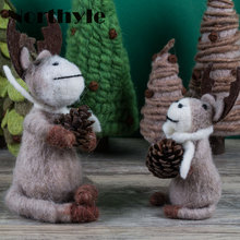 Original Dream House DH BS163358 reindeer holding pinecone wool miniature deer figurine craft christmas gift xmas decoration