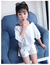 Girls suit summer 2019 new cotton fashion short-sleeved foreign T-shirt + shorts childrens clothing