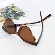 7d32103b7 Mulheres Leopardo Moda óculos de Sol de Designer Da Marca Sexy Cat Eye  Sunglasses Retro Senhoras UV400 Cateye Óculos De Sol Shad.