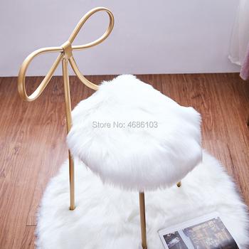 Krzesło toaletka Princes z dywanem motyl stołek meble domowe żelaza meble nordic krzesła nowoczesny luksusowy krzesła tanie i dobre opinie Meble do domu Jadalnia krzesło Jadalnia meble pokojowe Nowoczesne China Europa i ameryka Metal 800mm WWWFEMINSC006 iron
