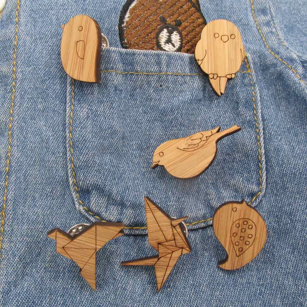 2018 Wooden Enamel bird pin Cartoon Wood Animal Origami Crane Birds Brooches Pins For Denim Buckle Shirt Badge Gift for Kids