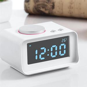 Image 4 - スマートデジタルアラーム時計多機能fmラジオアラーム時計デュアルusb aux機能に接続MP3 MP4 pda (eu/米国のプラグイン)