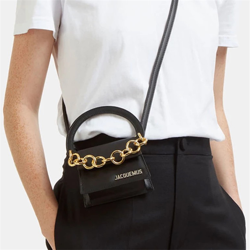 2019 Spring New Niche Designer With Retro Chain Ring Handcuffs Shoulder Diagonal Bag Female2019 Spring New Niche Designer With Retro Chain Ring Handcuffs Shoulder Diagonal Bag Female