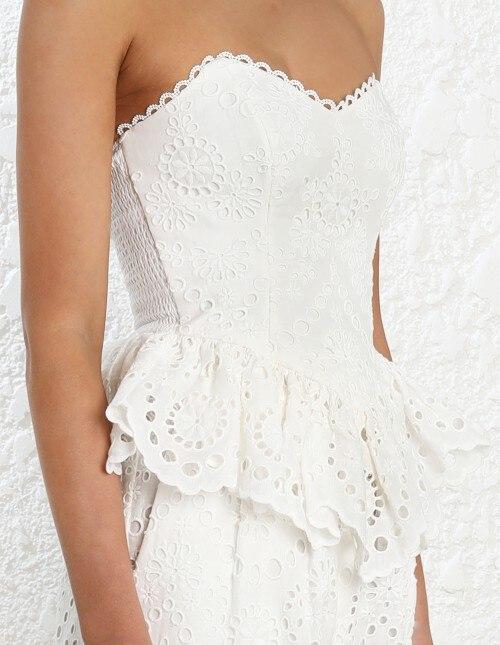 Blusa blanca con hombros descubiertos bordado de encaje para mujer nuevas camisetas de vacaciones de primavera y verano tops de encaje con estampado de flores-in Blusas y camisas from Ropa de mujer    3