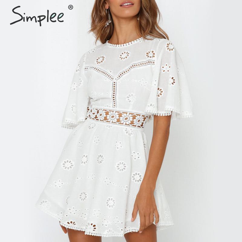 Simplee Белое Женское летнее платье с вышивкой, полые хлопковые и льняные платья с круглым вырезом, короткие женские платья с открытой спиной ...
