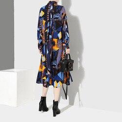 [EAM] 2019 New Autumn Winter Lapel Long Sleeve Blue Pattern Prited Loose Large Size Pocket Dress Women Fashion Tide JI485 4