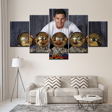 Canvas Painting Lionel Messi With the Prize 5 Pieces Wall Art Modular Sport Wallpapers Poster Print Home Decor