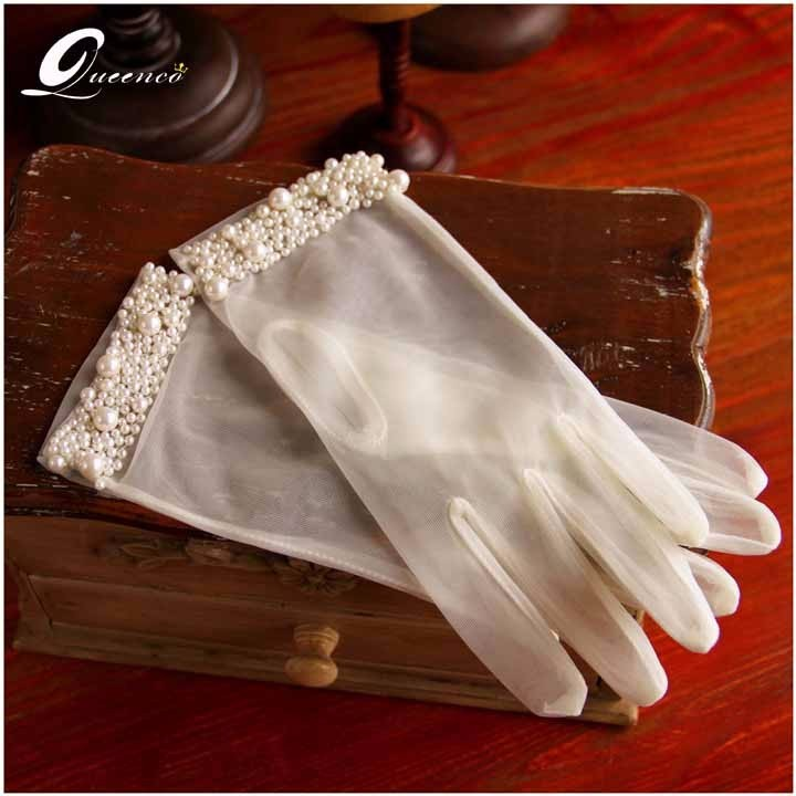 White Ivory White Short Wedding Gloves Wrist Length Lace Appliques Sequins Pearl Bridal Gloves Beaded Wedding Accessories