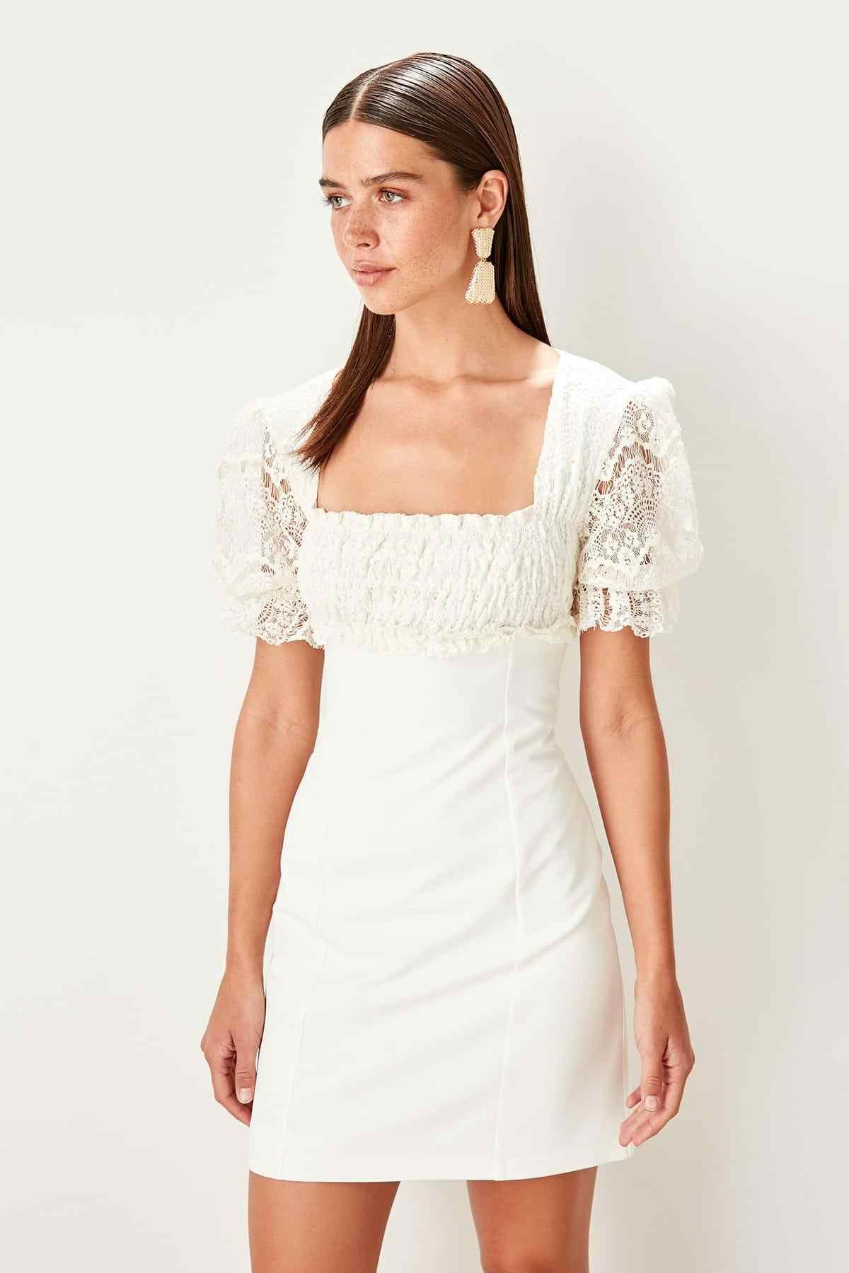 Платье Trendyol Ecru Gipe TPRSS19WU0012