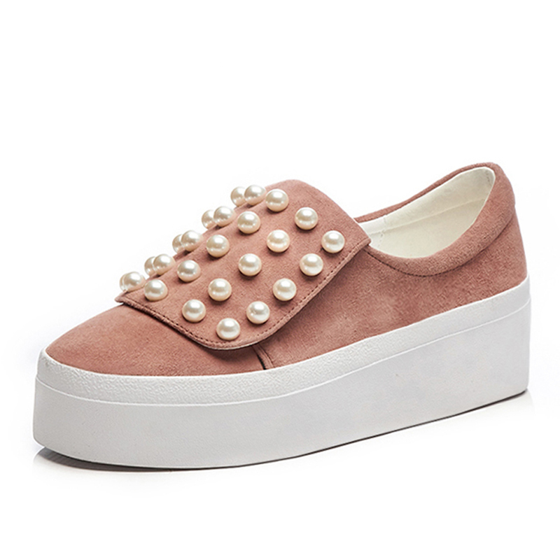 Women Pearls Platform Shoes 6 CM Heels Thick Soles Genuine Leather Slip-on Loafers Casual Woman Shoes Box Packing M7126Women Pearls Platform Shoes 6 CM Heels Thick Soles Genuine Leather Slip-on Loafers Casual Woman Shoes Box Packing M7126