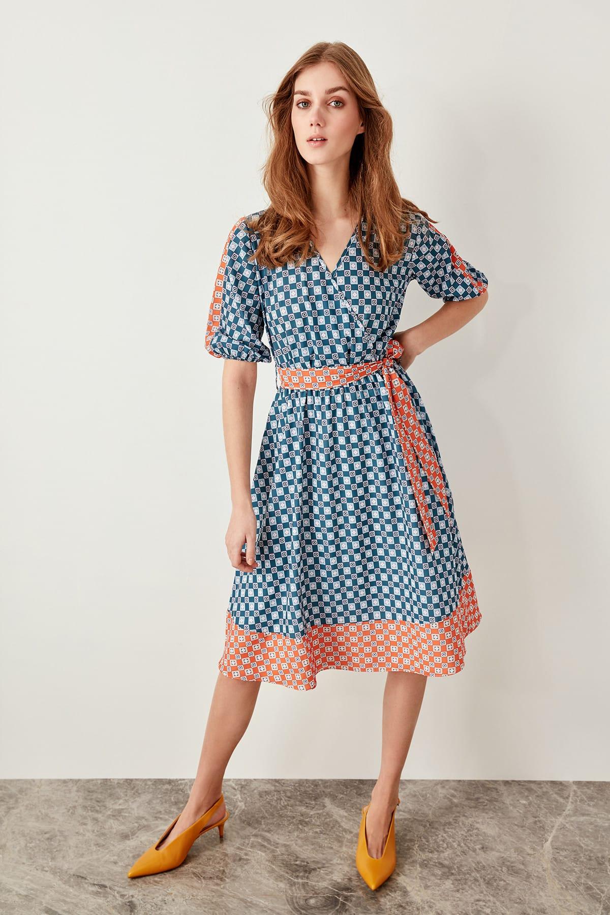 Trendyol Oil Belted Dress Pattern TWOSS19LJ0093