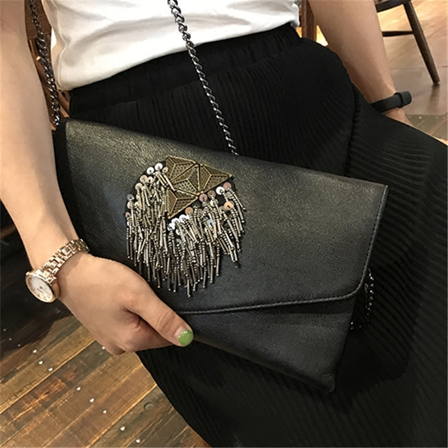 Retro Fashion Beaded Bag Ladies Messenger Rivet Envelope Punk Fringed Shoulder Female Evening Clutch