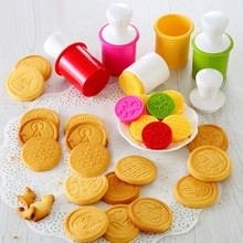 6pcs Cartoon Baking Mould Biscuit Cookie Cutter 3D Three-Dimensional Biscuits Mold DIY Tools for Claying Plunger