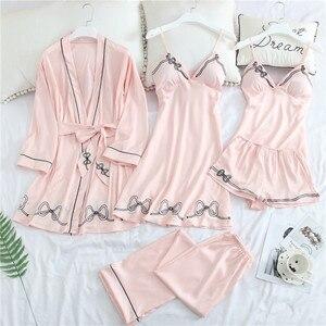 Image 3 - 2019 Vrouwen Pyjama Sets 5 Stuks Satin Nachtkleding Pijama Zijde Thuis Slijtage Thuis Kleding Slaap Lounge Pyjama Met Borst Pads