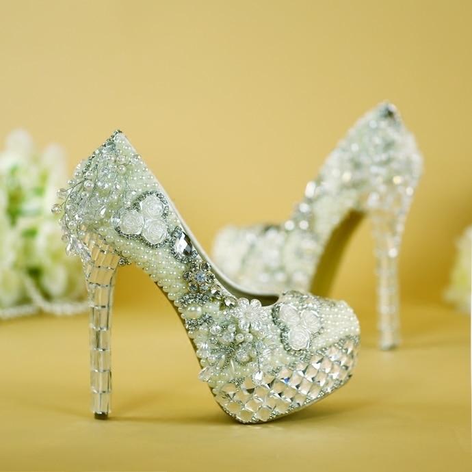Femme talons luxe diamant Design Original cristal chaussures mariage chaussures blanc perles talons hauts mariée chaussures robe pompes TV Show